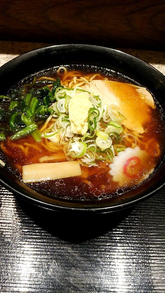 写真:富士そばの生姜醤油ラーメン