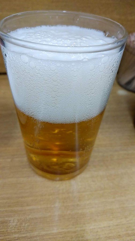 コップに注いだビール