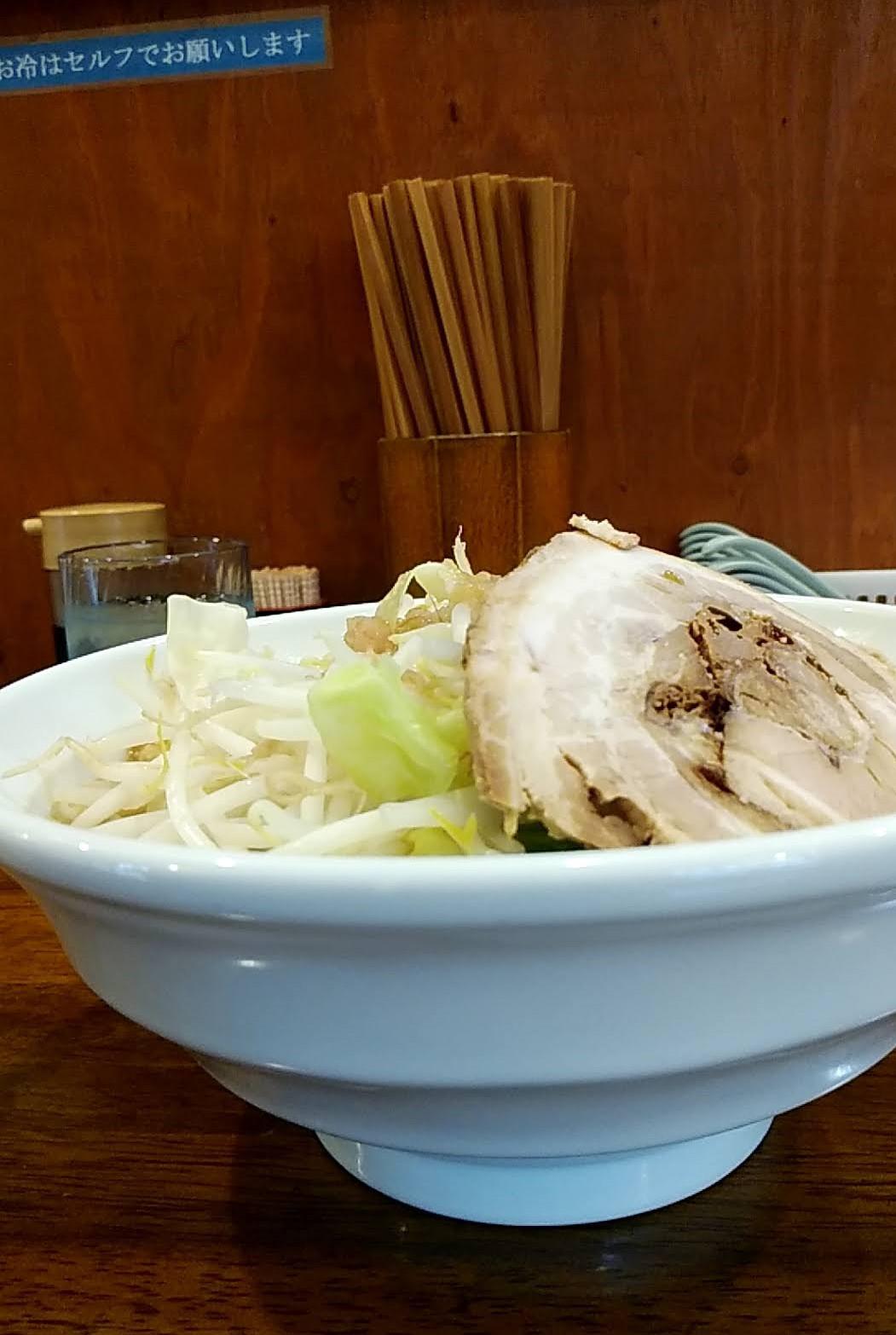 爆麺亭の爆麺