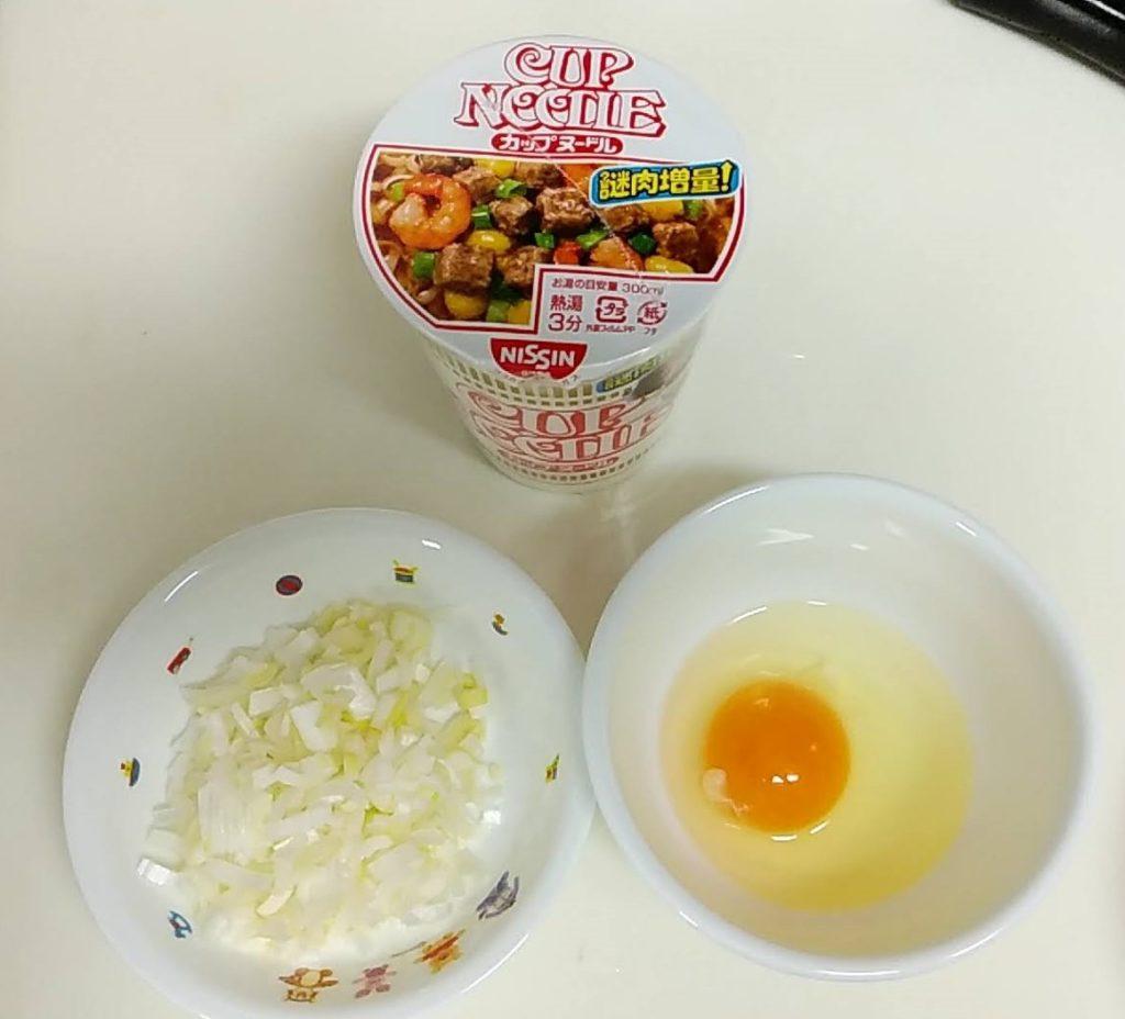 カップヌードル炒飯材料