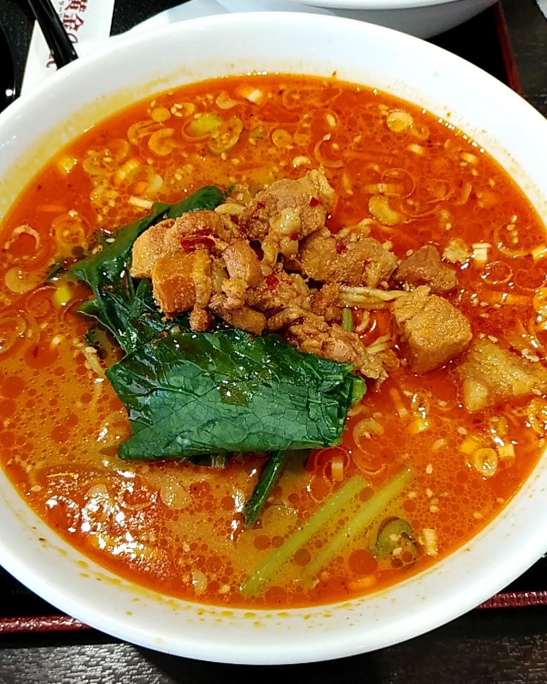 黄金の華の担々麺